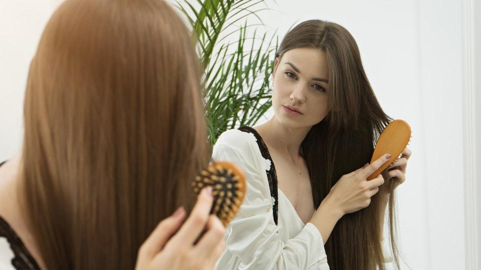 combing a wig